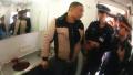 旅客突发疾病口吐鲜血 列车上上演紧急救助
