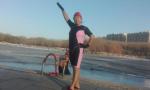 挑战严寒! -20℃鞍山老人冬泳过腊八