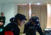 南京一少女因网恋男友提分手 地铁口割腕自杀