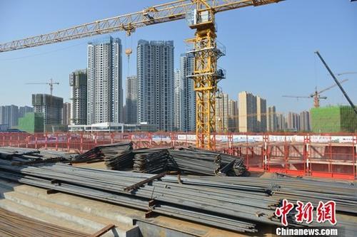 资料图:成都一在建房产项目。<a target='_blank' href='http://www.chinanews.com/'>中新社记者 张浪 摄
