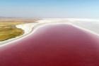 """土耳其美丽湖水似""""红酒"""""""