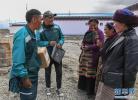 在海拔5500米的村庄送快递:他们用脚步丈量高寒艰苦的世界屋脊