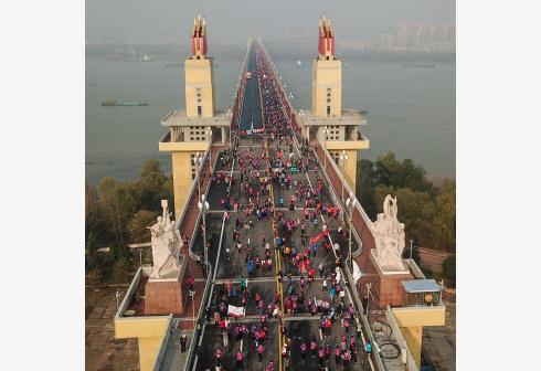 南京长江大桥重新回归!他们徒步见证大桥新颜