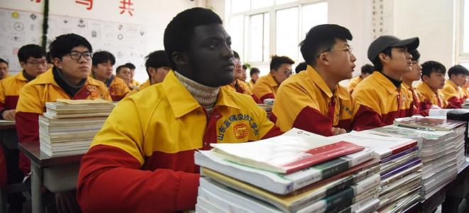 """非洲小伙的中国职业教育""""奇遇""""记"""