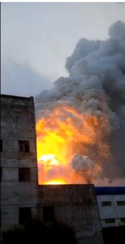 商丘神火工业园一铝厂车间突发大火 幸未造成人员伤亡