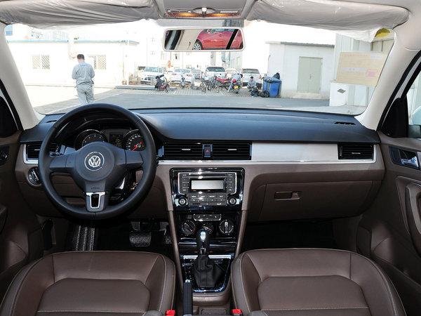 一汽-大众  1.6L 自动 中控台整体