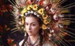 乌克兰美女复古装扮