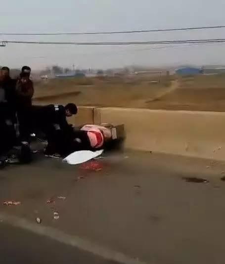 唐山玉田突发惨烈车祸 2人当场死亡
