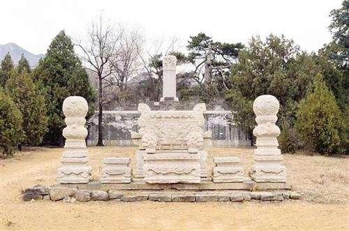 石五/核心提示:昌平明十三陵思陵石五供烛台被盗案告破,一个专门...