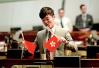 港独议员郑松泰倒插国旗区旗 遭警方落案起诉