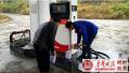 安仁食药工商质监局开展成品油市场抽检工作