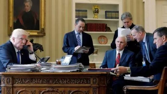 弗林/上月,特朗普与普京通电话。