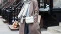 寒风起 纯色围巾配大衣 要时髦也要温度