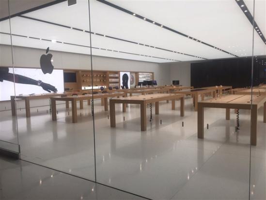 加州一苹果直营店遭大盗洗劫一空:价值16.5万产品飞了