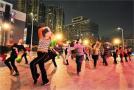 互联网公司瞄上万亿级广场舞市场,但想赚跳舞大妈的钱很难