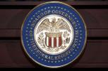 美联储宣布维持利率不变 同时释放3月加息信号