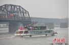 """""""五一""""小长假:辽宁丹东边境游成热点"""