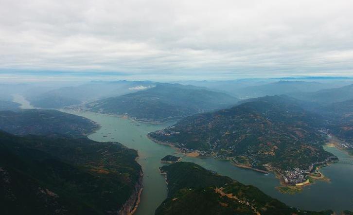 瞿塘峡风景美如画