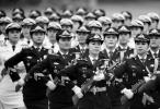 眼前一亮!55名女兵组成方阵 首次现身国事访问欢迎仪式