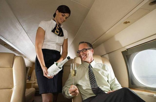 飞机上一般会有哪些隐形福利?