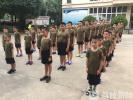 """""""我强则国强!""""清晨,这群""""小兵""""聚在国旗下发出了呐喊"""