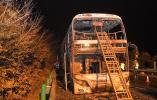 湖南常长高速客车起火已致26人死亡 2名司机已被控制