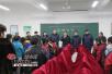 """新疆教育厅驻库西吐尔村工作队为学生送上新年""""礼包"""