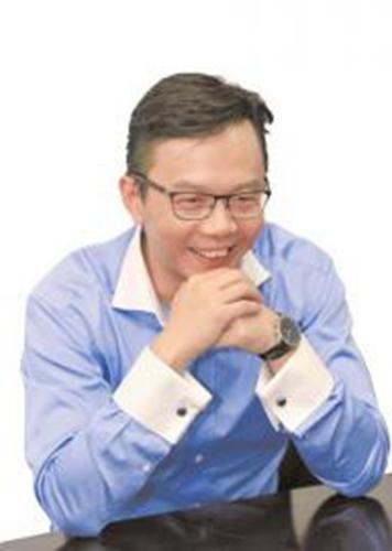 """作家江南谈跨界,要亲手打造自己的""""幻想世界""""。陈羽啸摄 图片来源:华西都市报"""
