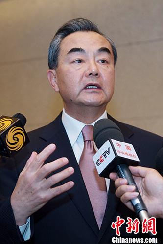 王毅:投资合作成中非合作最主要方式援助占比很小