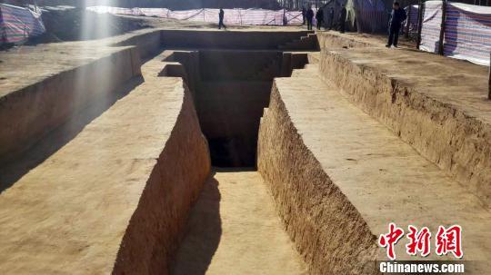 河北满城再现中山靖王刘胜陪葬墓发掘前有盗洞(图)