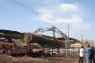 济南一停产铁矿厂废料达600多吨 10台专业机械拆除