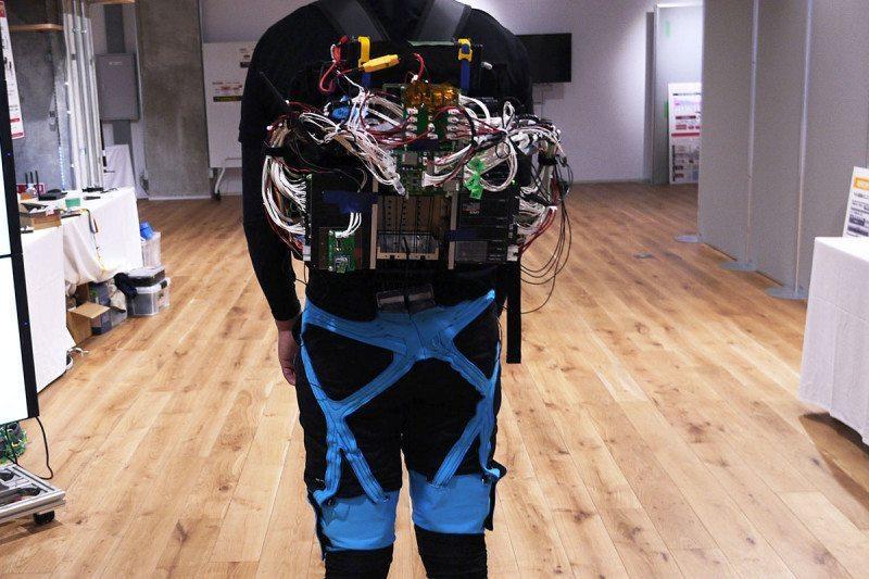 机器外骨骼研究获得突破,首次具备协助转向能力!