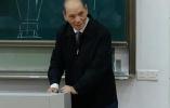 浙大八旬教授站3小時上完最後一課:站著上課是最基本素養