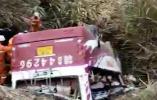 江西一超载客车侧翻致10人遇难 公安部派出工作组赶赴江西