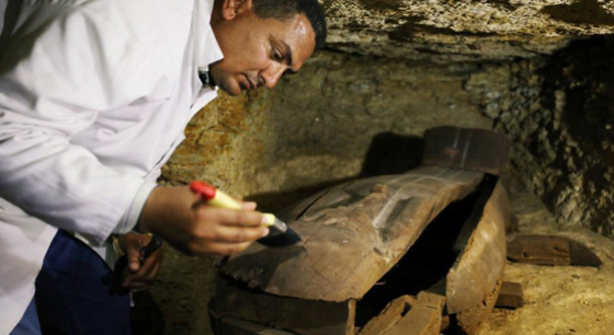 埃及开罗南部发现大型墓地 距今3000年历史