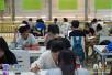 甘肃高校大学生装扮个性宿舍 渔网树藤