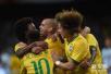巴西队首次公开训练气氛轻松