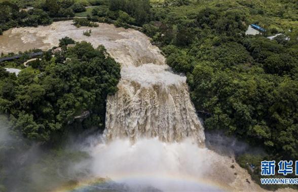 贵州黄果树瀑布迎今年入汛最大水量