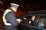 两名酒驾司机在家门口被查 被罚款1000元、记12分