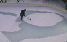 """加拿大男子""""花式铲雪""""画世界名画"""