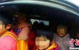 河北威县一涉校车辆严重超员257% 驾驶员已被刑拘