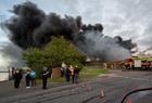 英国一所工厂失火