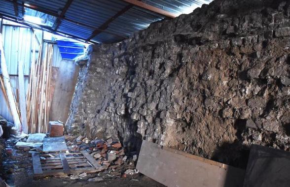 沈阳一废品站发现23米长明代城墙遗址 已联系有关部门