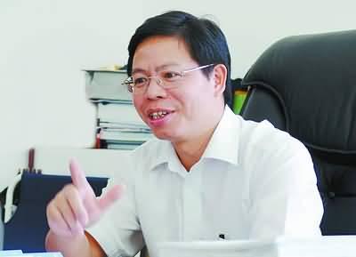 2006年11月,时任翔安区委书记的林国耀接受记者采访