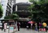 考验车技的时候到了 在重庆这里停个车要连转5个360°!