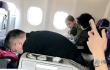 网友飞机上偶遇Angelababy 小海绵见谁都笑