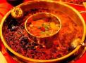 天冷吃火锅怎么吃才健康?锅底酱料都有讲究