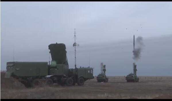俄试射战略防御武器