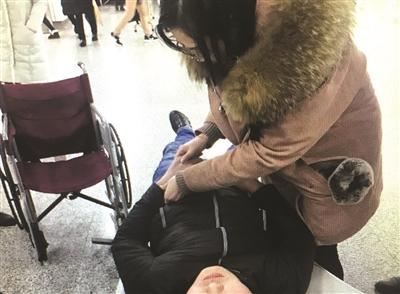 皇冠电子游戏网址:嘉兴小伙顶风冒雪赶到杭州献血后晕倒地铁站,多名路人相助