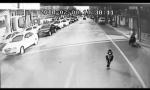 石家庄2岁女孩溜出家门 公交司机和市民把她送到警务站